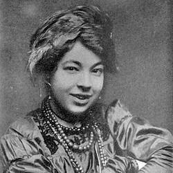 250px-Pamela_Colman_Smith_circa_1912 - コピー